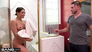 Bokep Abella Danger seduces the foreign exchange student