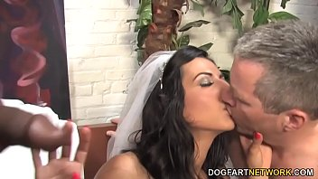 Bokep Lou Charmelle Gets Special Wedding Gift - Cuckold Sessions