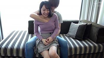 恥じらう純白美少女に顔射セックス/Mizuki