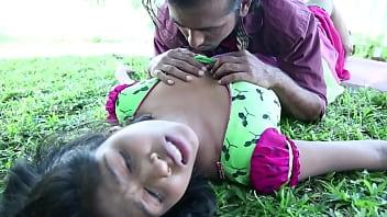 Nonton Bokep Indian couple boobs kissing outdoors