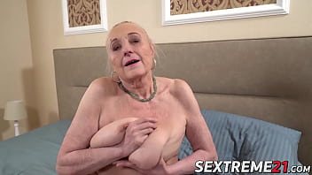Curvy old grandma banged until creampie