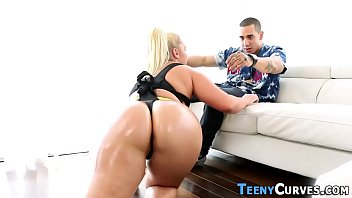 Teen gets big round ass spunked after getting fucked by shlong