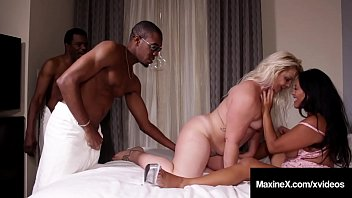 Nonton Bokep Busty Asian Milf Maxine X & Hot Fuck Friend Selah Rain get their sweet bangable butts, fucked by 2 large ebony dicks in this hot interracial threesome! Full Video & Maxine X Live @ MaxineX.com!