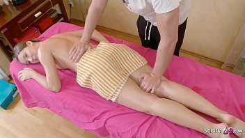 Cute Teen Seduce to Fuck at Massage Session