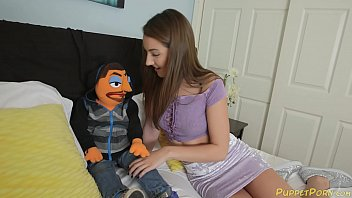 Lily Met the puppets and got fucked So good