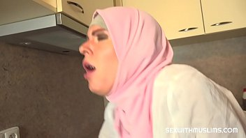 Bokep Her husband wasn't home and this plumber had no time to wait so he ended up eating her sweet tight muslim pussy as payment