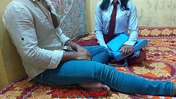 इंडियन एवर बेस्ट स्कूल गर्ल बिना मूड की गहरी चुदाई, साफ हिंदी आवाज में