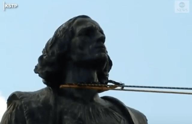 Derribar la estatua de un colonialista tiene un profundo significado espiritual