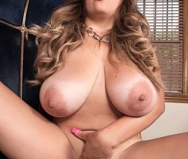 Alessandra Miller Solo Big Tits Photos