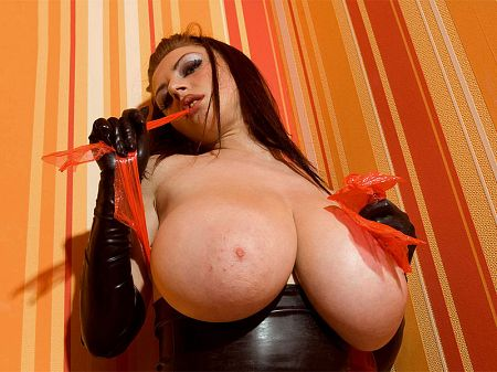The Nice & Tight Rubber World of Merilyn Sakova