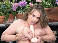 Kerry's garden of boobs