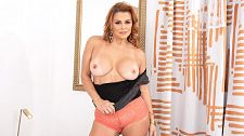 Latina MILF's tits, ass and pussy show