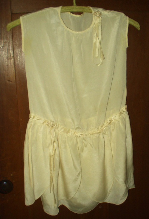 Vintage 1920s 1930s Girls Silk Rayon Rosettes Party Dress