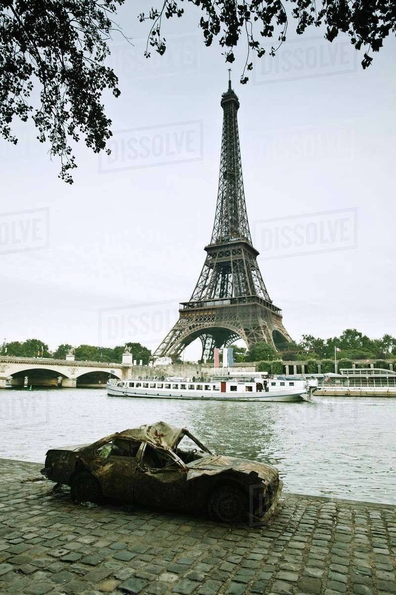 Wrecked Car Abandoned Along Seine River Near Eiffel Tower Paris D984 20 713