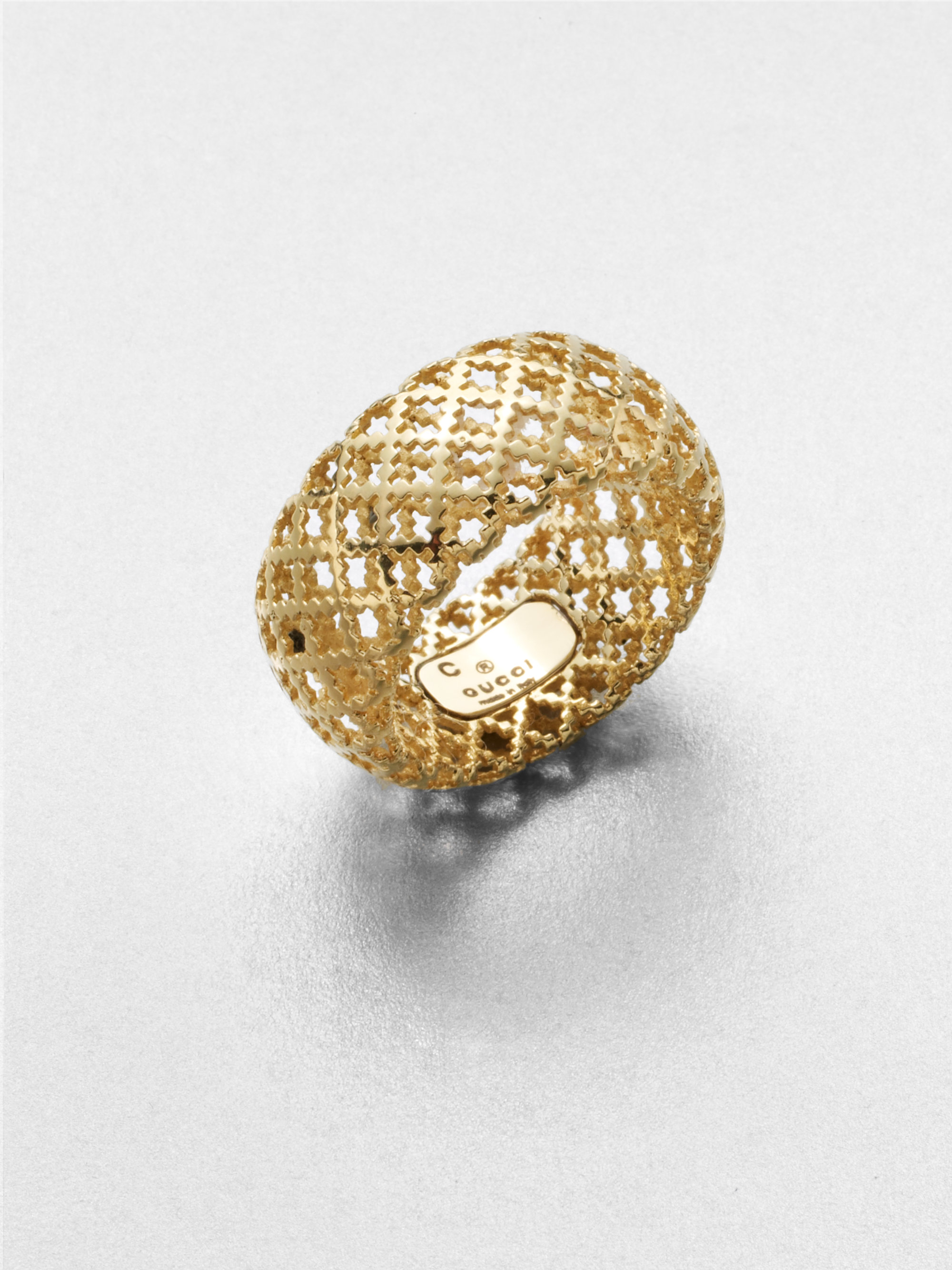 Lyst  Gucci Diamantissima 18k Yellow Gold Band Ring in Metallic