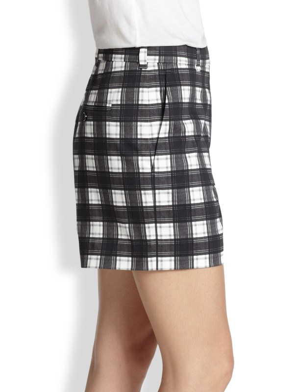 Lyst - Carven Plaid Shorts In Black