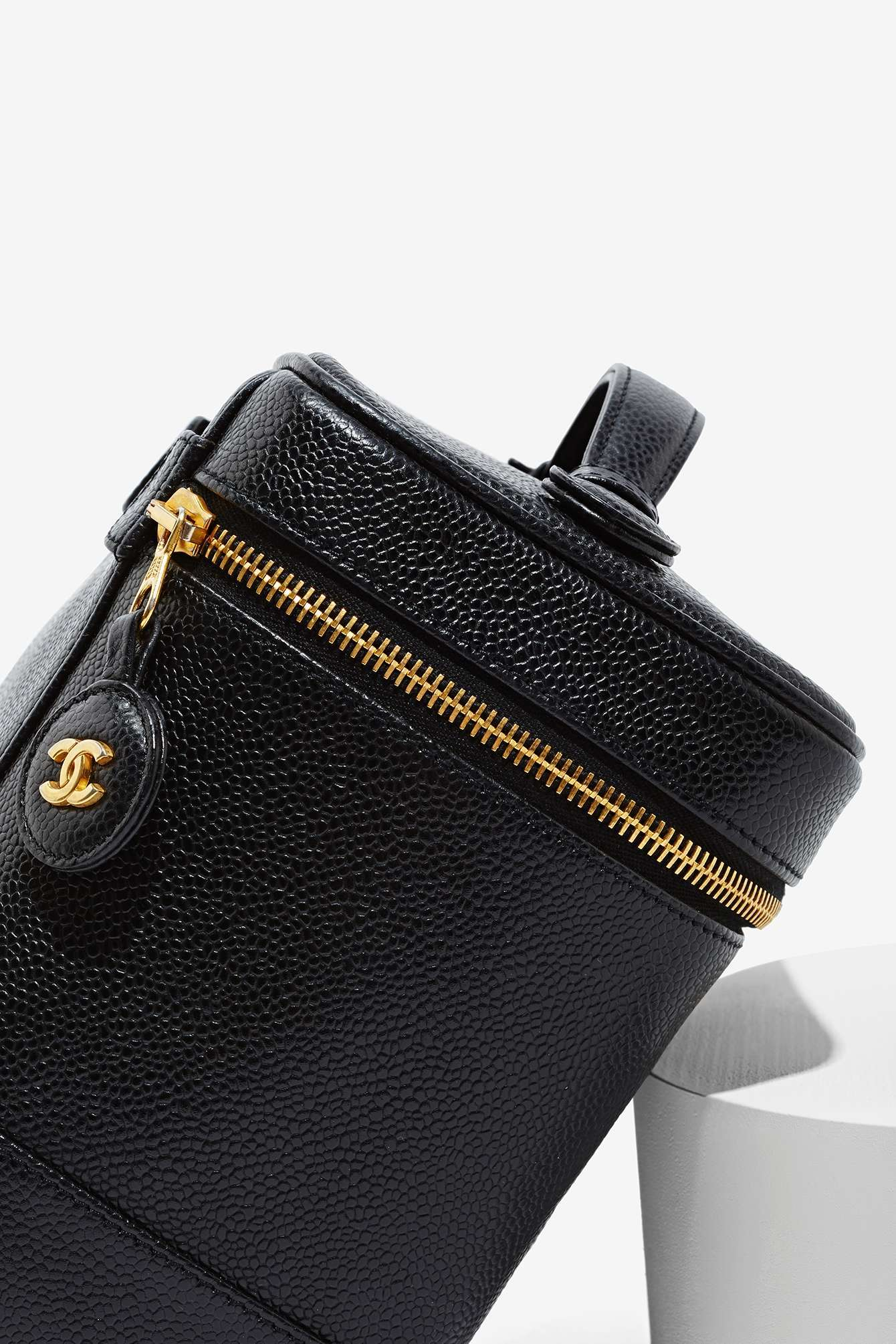 Nasty Gal Vintage Chanel Black Caviar Vanity Case - Lyst