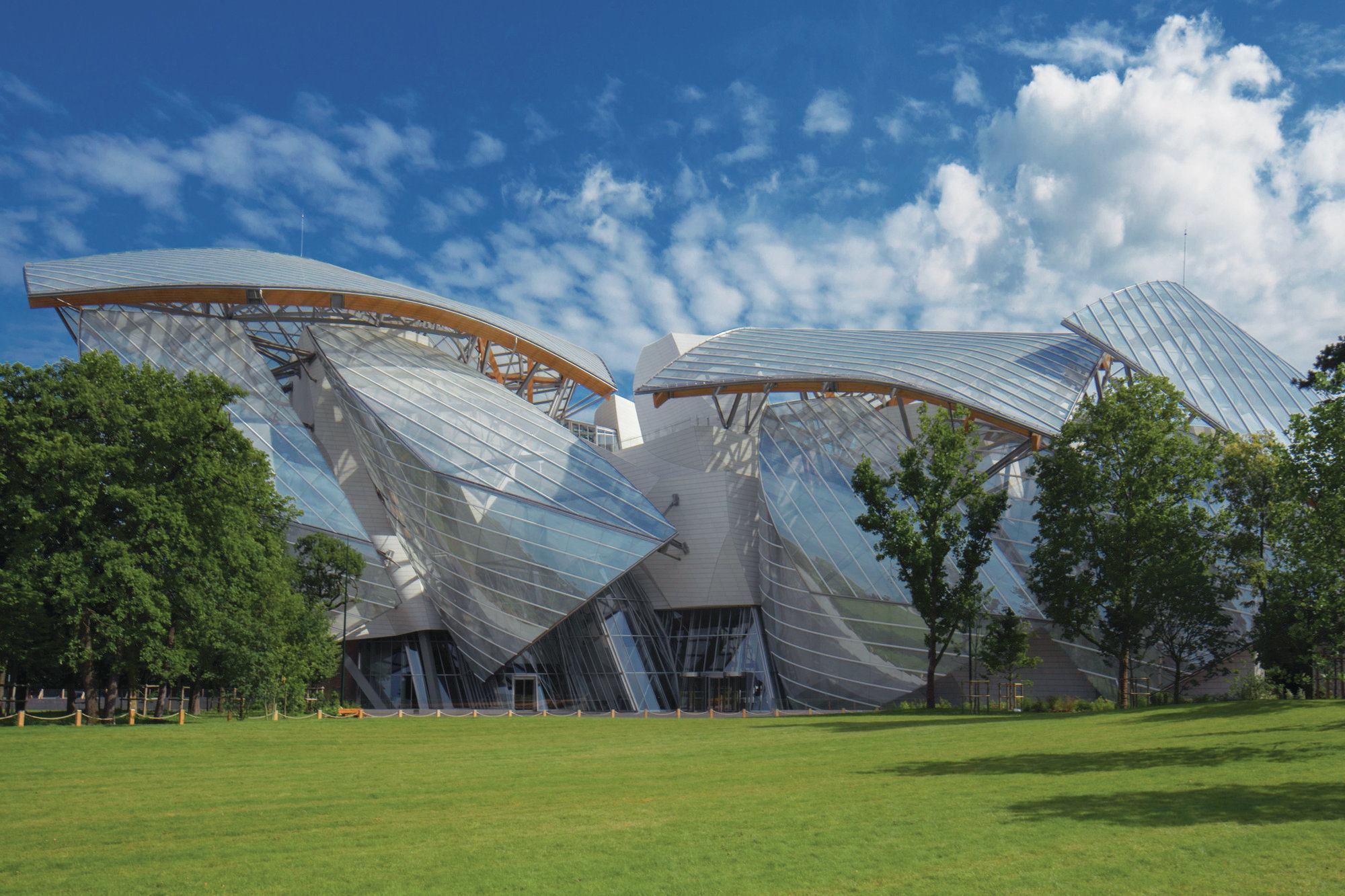 Fondation Louis Vuitton Designed By Gehry Partners