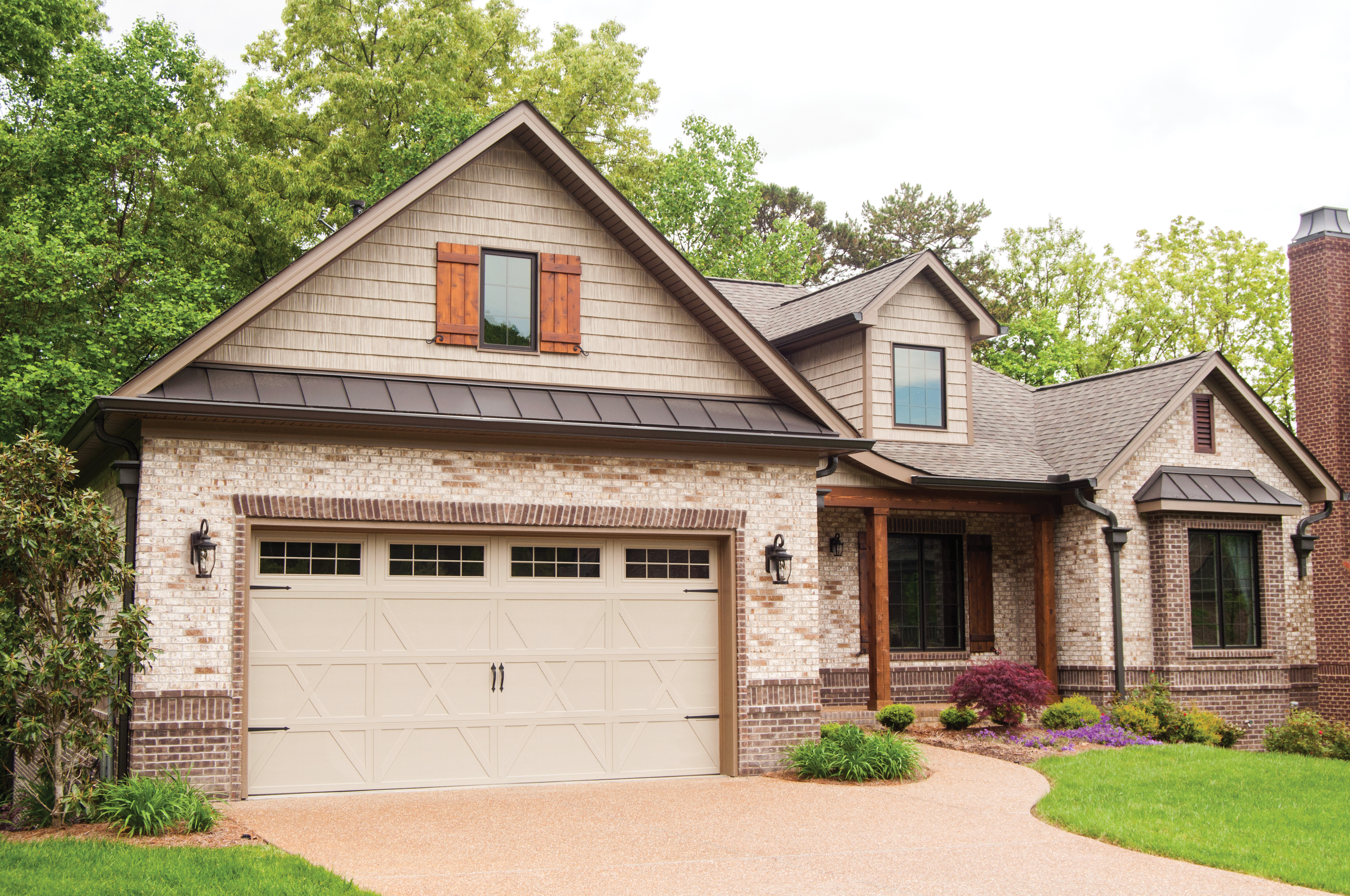 Why Spring Is Ideal For Replacing Garage Doors Remodeling