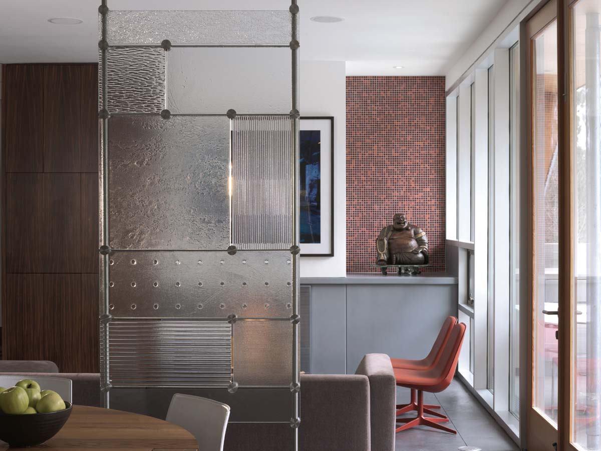 Screen glass partition from Joel Berman Glass Studios