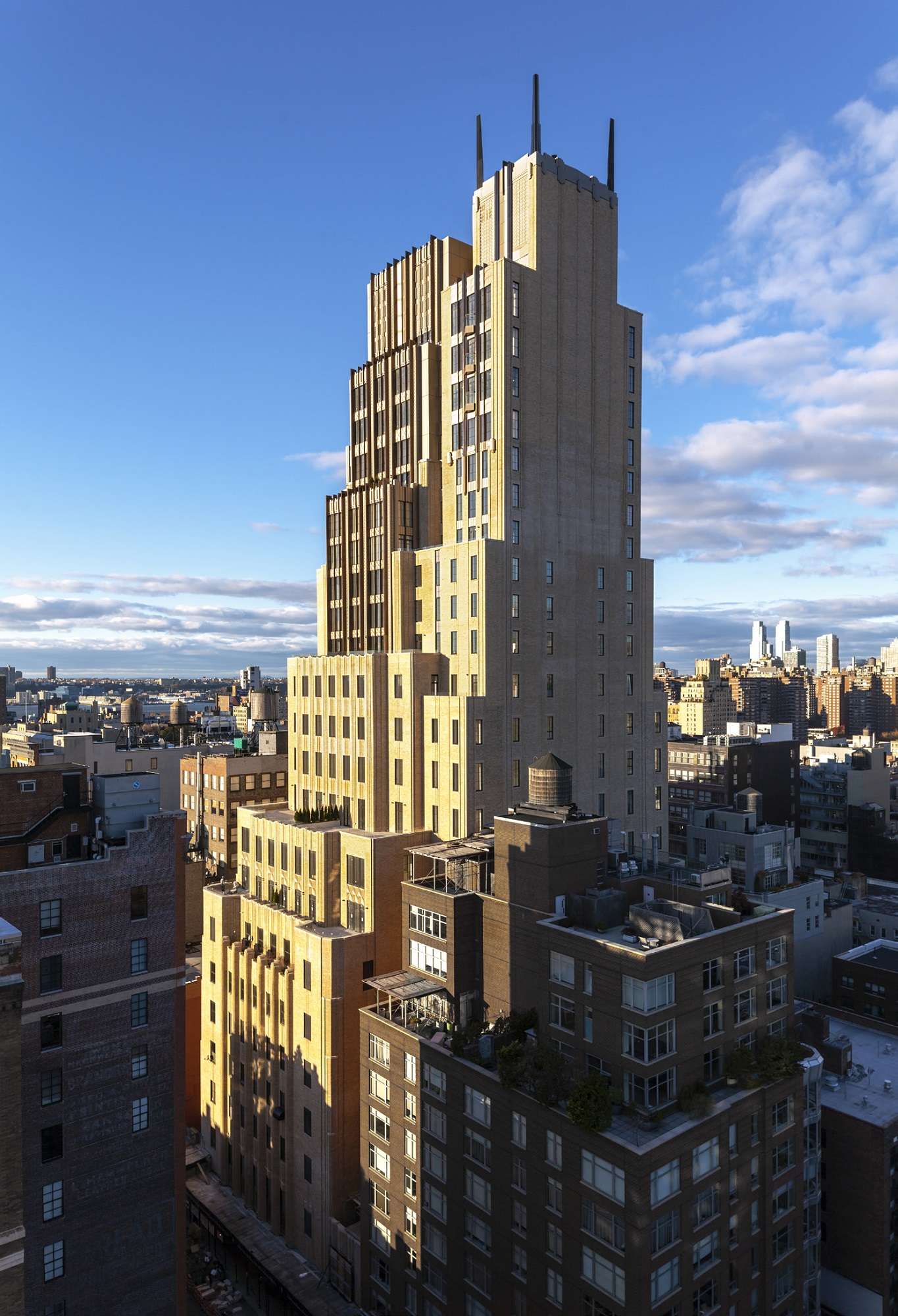 Former New York Telephone Building Soars As Ultra High End