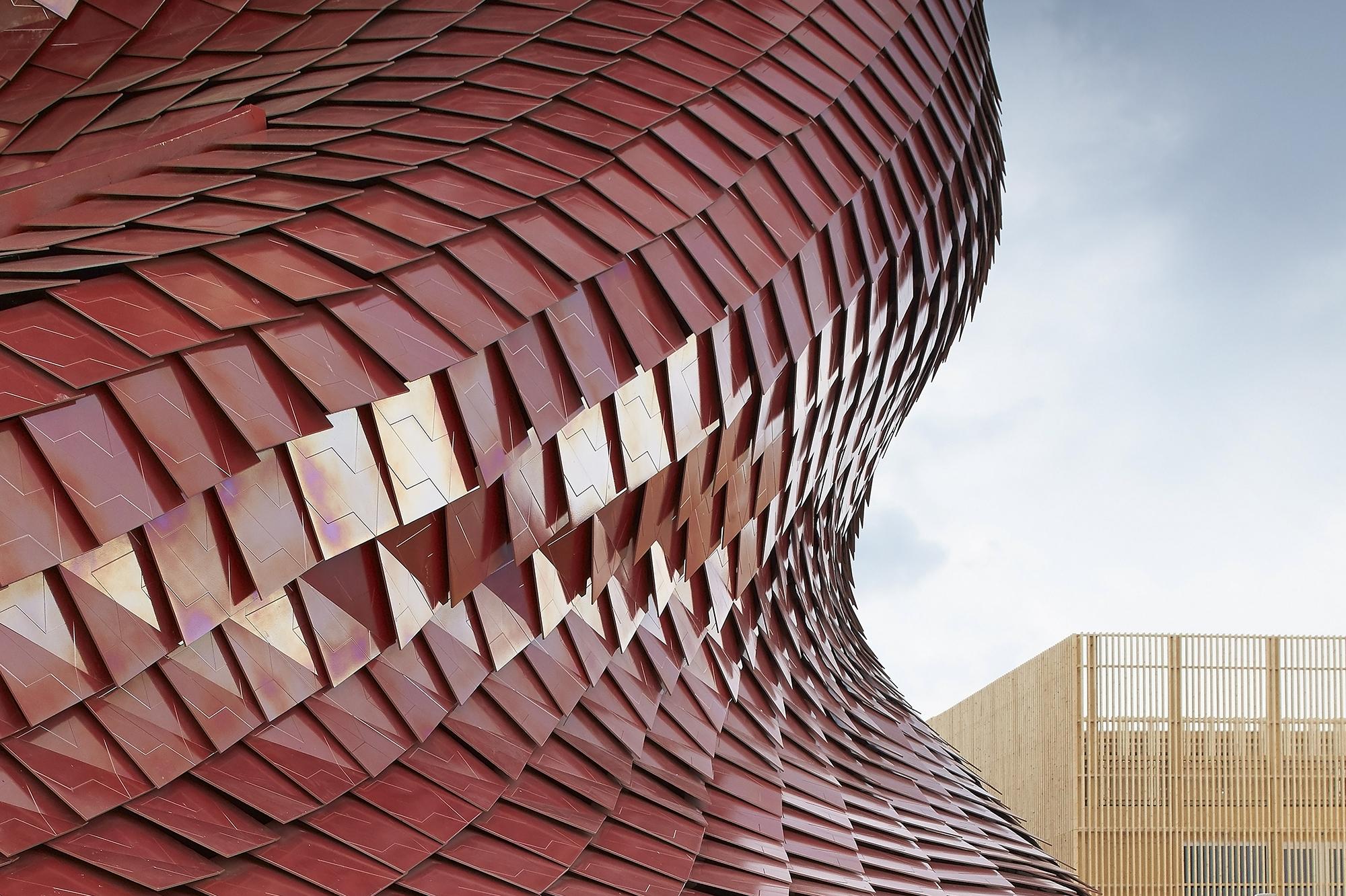 Detail The Tiles of Studio Libeskinds Vanke Pavilion