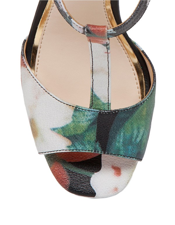 Jessica Simpson Adelinah Floral Platform Sandals In Black