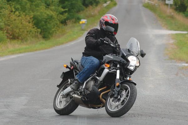 Kawasaki Versys motorcycle review