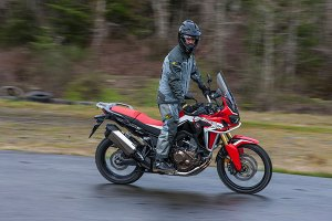 2016 Honda Africa Twin narrow profiles is perfect for standing on the pegs