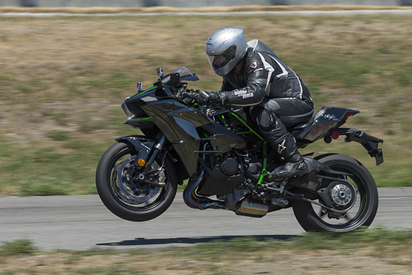 The wait was long but we finally had our chance to see what the hyper-hyped Kawasaki Ninja H2 is all about.