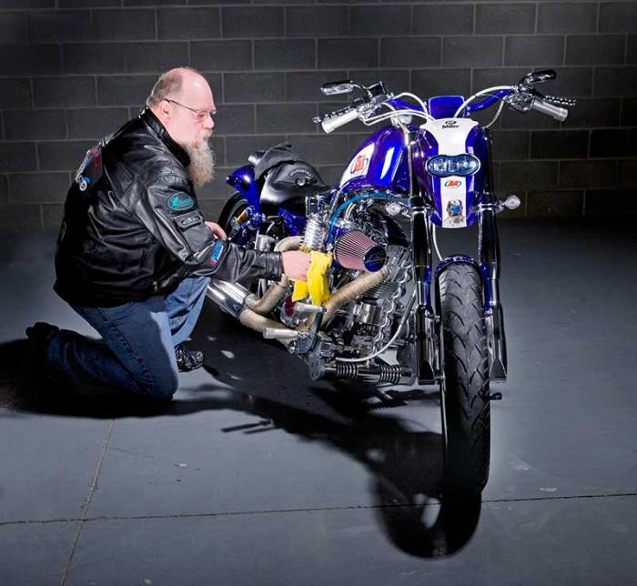 building a custom motorcycle