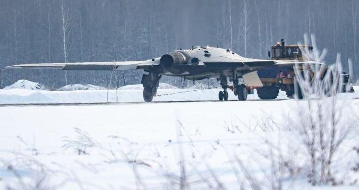 Possível foto do veículo aéreo não tripulado russo Okhotnik