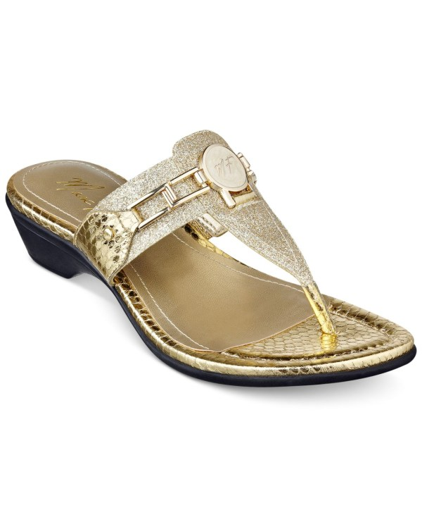 Marc Fisher Amina Thong Sandals In Gold Lyst