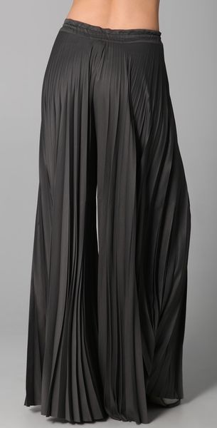 Eileen Grey Enza Costa Pleated Palazzo Pants In Gray (charcoal) | Lyst