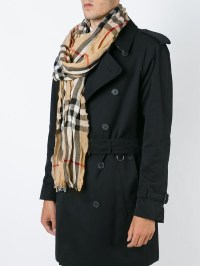 The gallery for --> Burberry Scarf Men