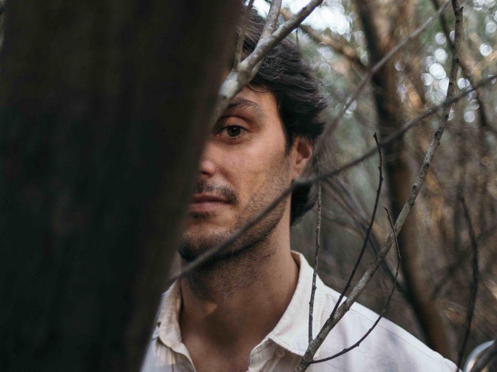 In Between - P.S. Lucas - Pedro Lucas