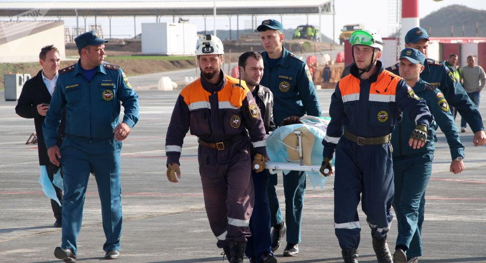 Une touriste et son enfant tombent dans un puits d'une centrale nucléaire abandonnée en Crimée