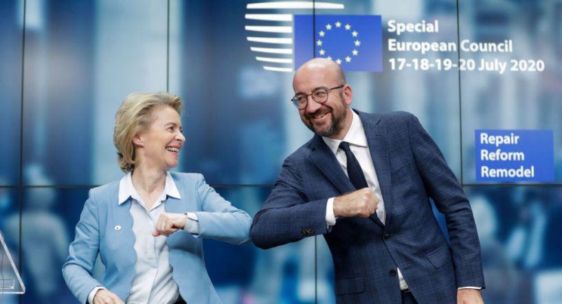 Passeport vaccinal: l'UE avance, la France n'y coupera pas