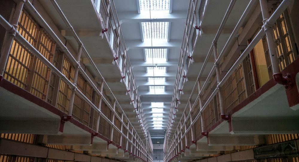 Une figure des Gilets jaunes se rebelle en prison, 40 codétenus refusent de regagner leurs cellules