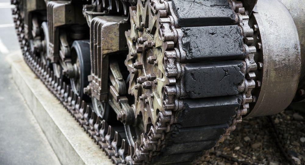 L'armée arménienne détruit un tank près de la frontière avec l'Azerbaïdjan – vidéo