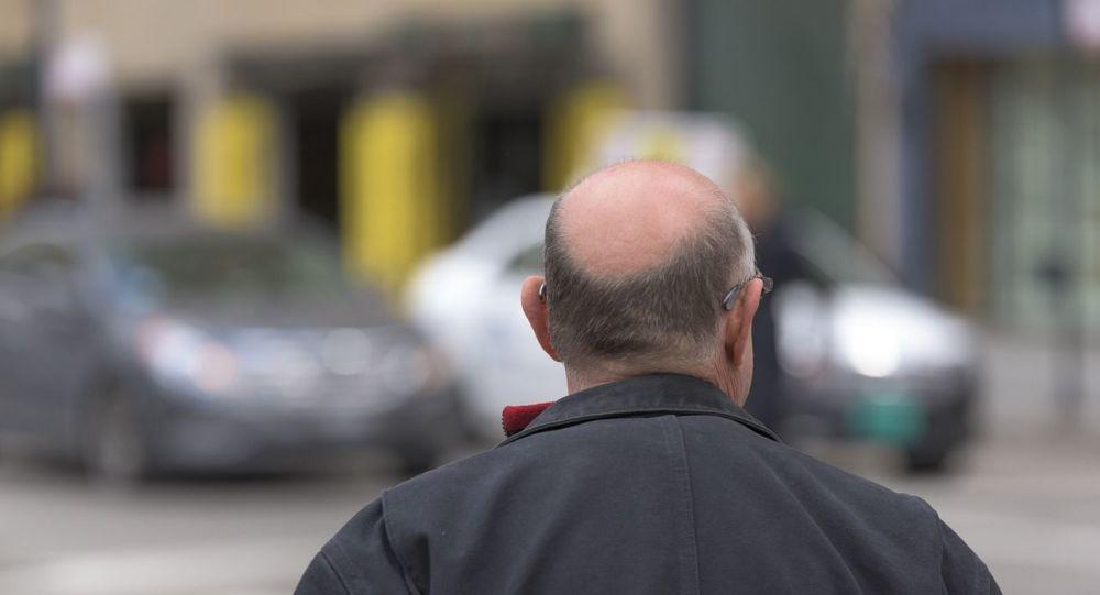 Le coronavirus, une menace accrue pour les hommes chauves?