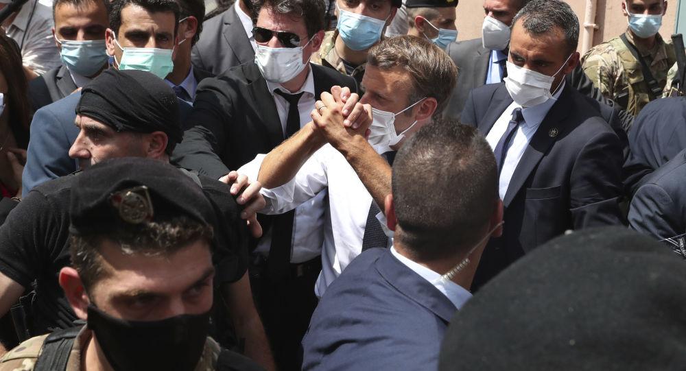 Macron au Liban: cette «déambulation dans les rues ressemblait plus à une campagne à l'adresse des Français»