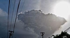 Saint-Vincent: seuls les vaccinés seront sauvés du volcan en éruption?