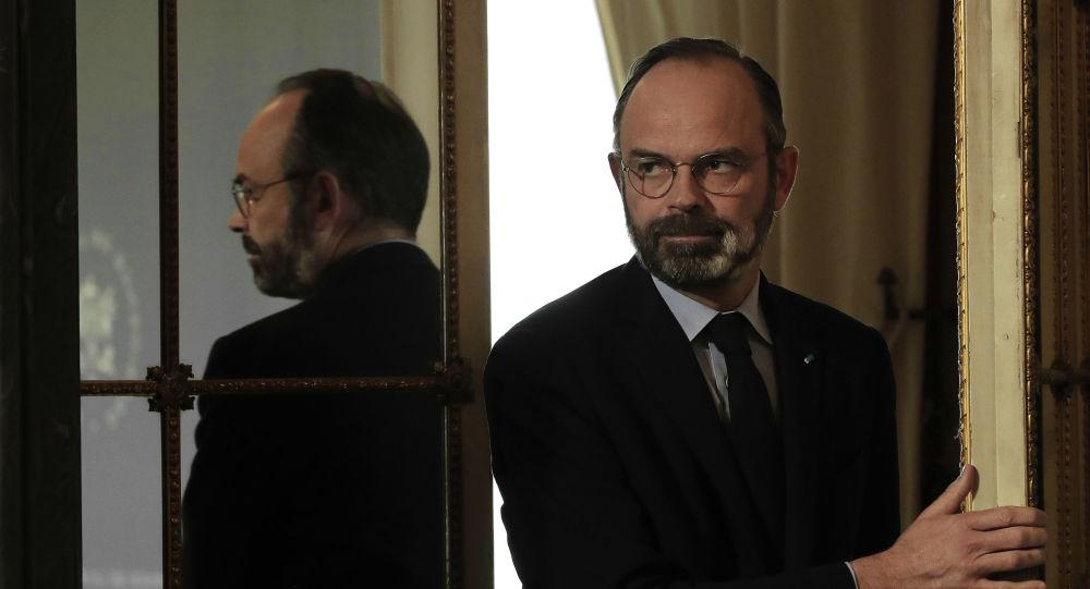 Philippe se moque de l'excès de vitesse de Bourdin en conseil des ministres