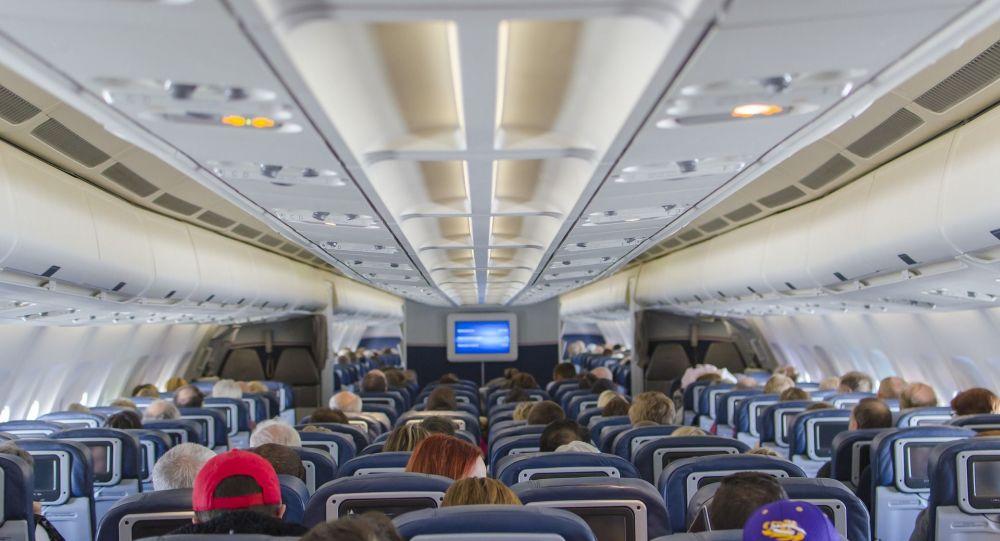 Voici pourquoi il est déconseillé d'incliner en arrière les sièges d'avion