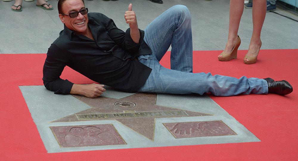 Jean-Claude Van Damme poste un message après la mort du père de Nurmagomedov