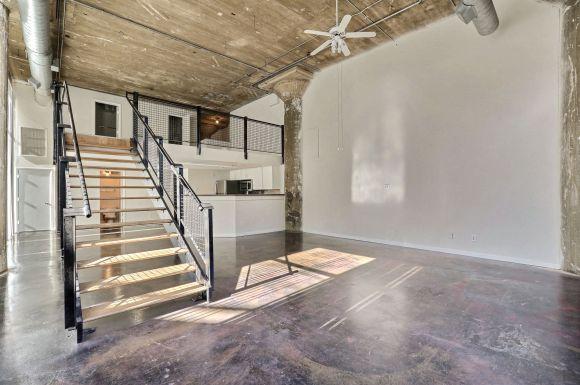 Adam Hats Lofts Apartments In Dallas