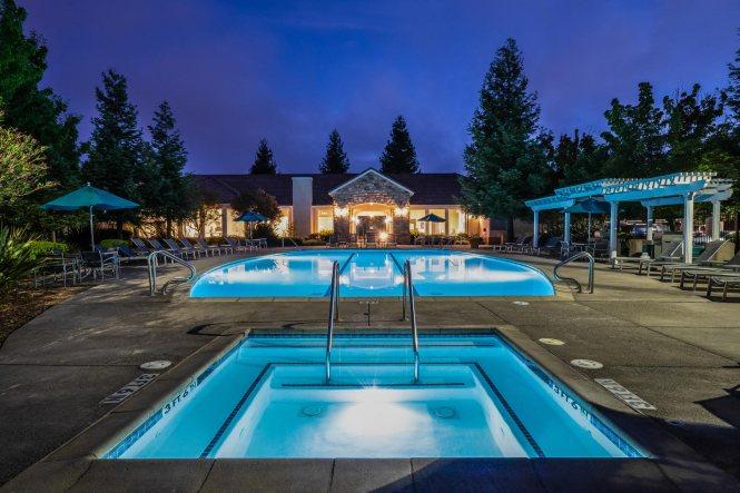 Windsor At Redwood Creek Luxury Apartments In Rohnert Park