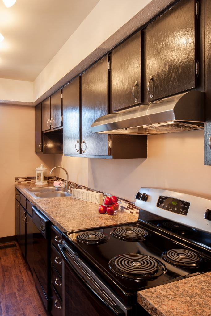 Photos and Video of Barrington Square Apartments in