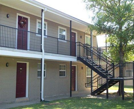 Spanish Arms Apartments, 4343 Denham Street, Baton Rouge